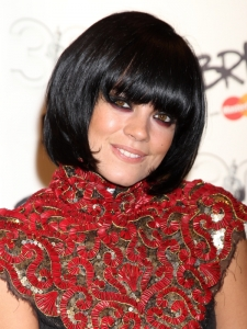Lily Allen Hairstyle at the 2010 Brit Awards