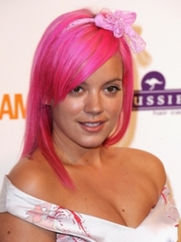 Lily Allen's Pink Hair Color
