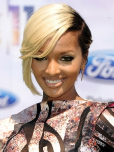 Lola Monroe Hairstyle 2011 BET Awards