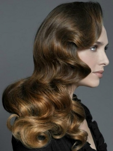 Voguish Wavy Long Hairstyle