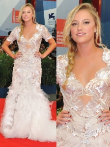 Maika Monroe in Marchesa Gown