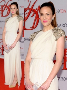 Mandy Moore in Lela Rose Gown
