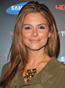 Maria Menounos with Blonde Highlights