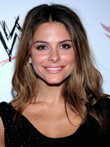 Maria Menounos Loose Wavy Hairstyle