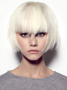 Chic Medium Razored Haircut