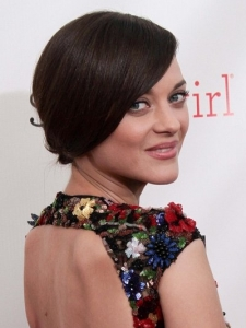 Marion Cotillard's Hairstyle at 2013 Critics Choice Awards