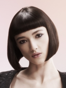 Ultra Sleek Medium Bob Haircut
