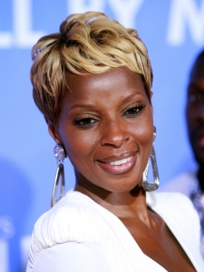 Mary J Blige Short Pixie Hairstyle