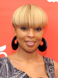 Mary J Blige Short Haircut with Full Bangs
