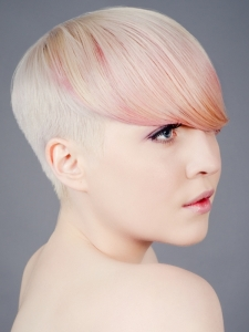 Chic Light Pink Hair Highlights