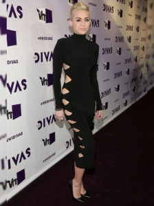 Miley Cyrus's Dress at 2012 VH1 Divas