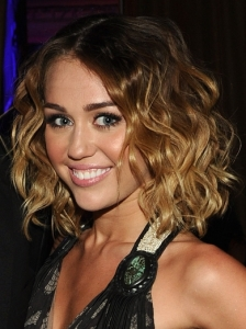 Miley Cyrus Loose Curly Bob Hairstyle