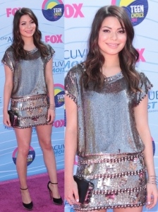 Miranda Cosgrove in Collette Dinnigan Dress