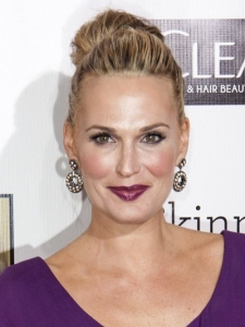 Molly Sims' Hairstyle at 2013 Critics Choice Awards