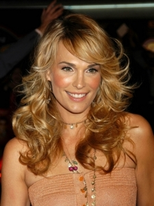 Molly Sims with Full Curls Hairstyle