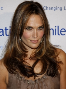 Molly Sims with Long Brunette Hairstyle