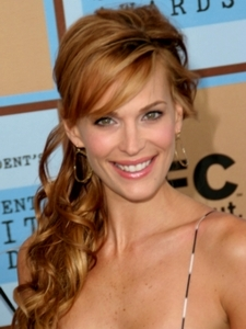 Molly Sims' Curly Side Ponytail Hairstyle