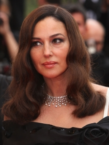 Monica Bellucci's Old Hollywood Wavy Hairstyle