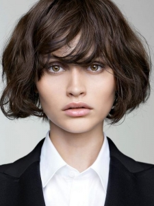 On Trend Messy Medium Haircut