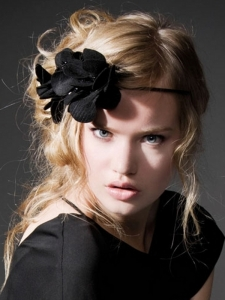 Stylish Floral Hair Accessory