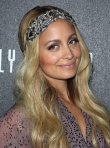 Nicole Richie Glossy Waves with Headband