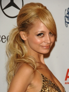 Nicole Richie's 60s Ponytail with Pouff
