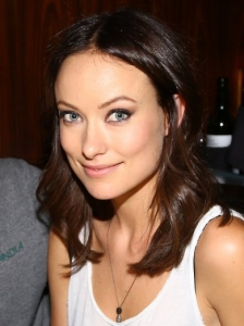 Olivia Wilde Shoulder Length Wavy Hairstyle