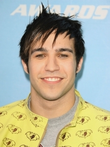 Pete Wentz Short Razor-cut Hairstyle