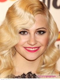 Pixie Lott Pink Lips Makeup