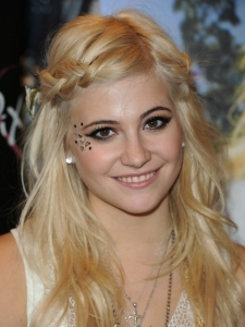 Pixie Lott Front Braid Hairstyle