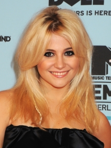 Pixie Lott's Hairstyle from the 2009 MTV EMAs