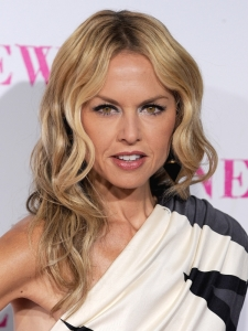 Rachel Zoe's Sculpted Wavy Hairstyle