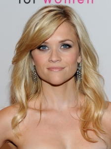 Reese Witherspoon Loose Wavy Hairstyle
