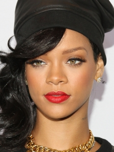 Rihanna's Cat Liner Red Lip Makeup