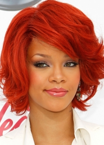 Rihanna Rosy Eye Makeup
