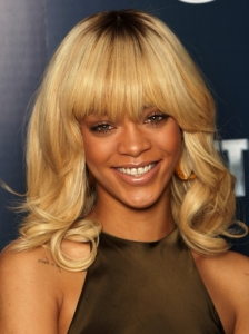 Rihanna Blonde Hair with Bangs
