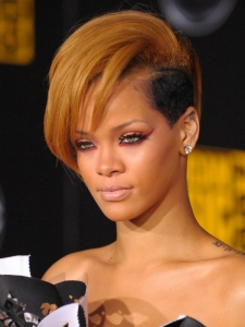 Rihanna Hairstyle at the 2009 AMAs