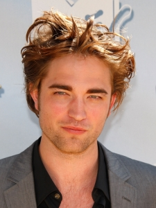 Robert Pattinson's Messy Hairstyle
