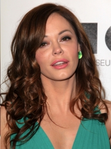 Rose McGowan Loose Curls Hairstyle