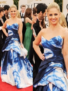 Sarah Michelle Gellar in Monique Lhuillier at 2012 Golden Globes