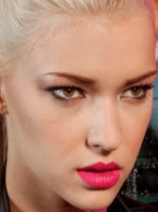 Bright Pink Lips Makeup