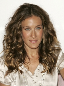 Sarah Jessica Parker Natural Curly Hairstyle