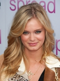 Sarah Paxton Long Wavy Hairstyle