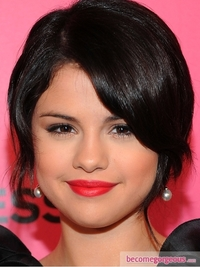 Selena Gomez Bright Red Lips