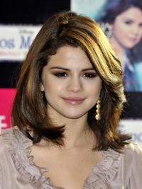 Selena Gomez New Mid-Length Haircut