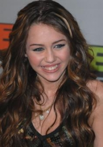 Miley's Chocolate Brown Wavy Hair