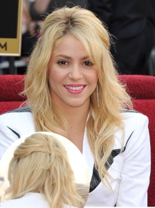 Shakira Pinned Half Up Hairstyle