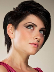 Fabulous Medium Layered Hair Style
