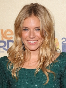 Sienna Miller's Soft Curly Hairstyle