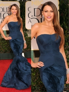 Sofia Vergara in Vera Wang at 2012 Golden Globes